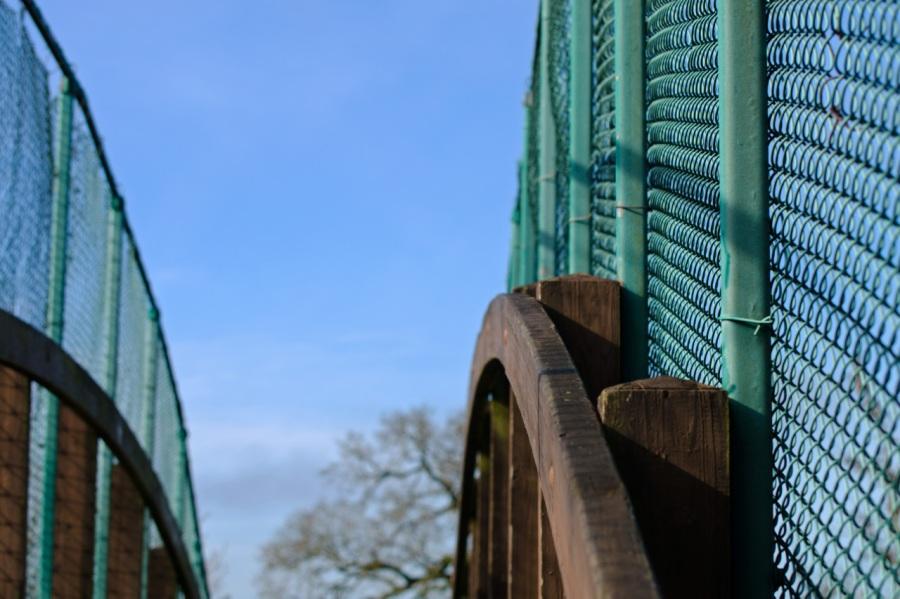 Footbridge over the railroad tracks