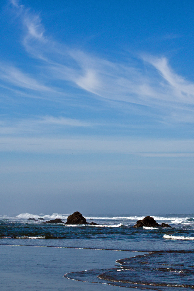 Beautiful blue skies at the Oregon Coast