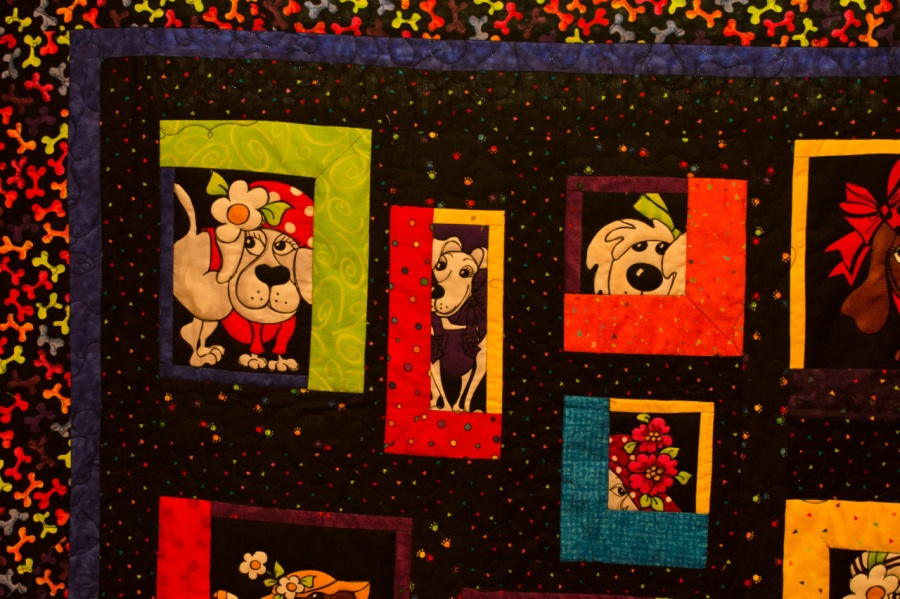 Colorful quilt at the quilt show