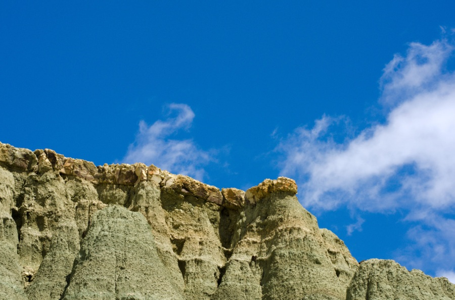 Basalt capstone on top of Blue Basin cliffs