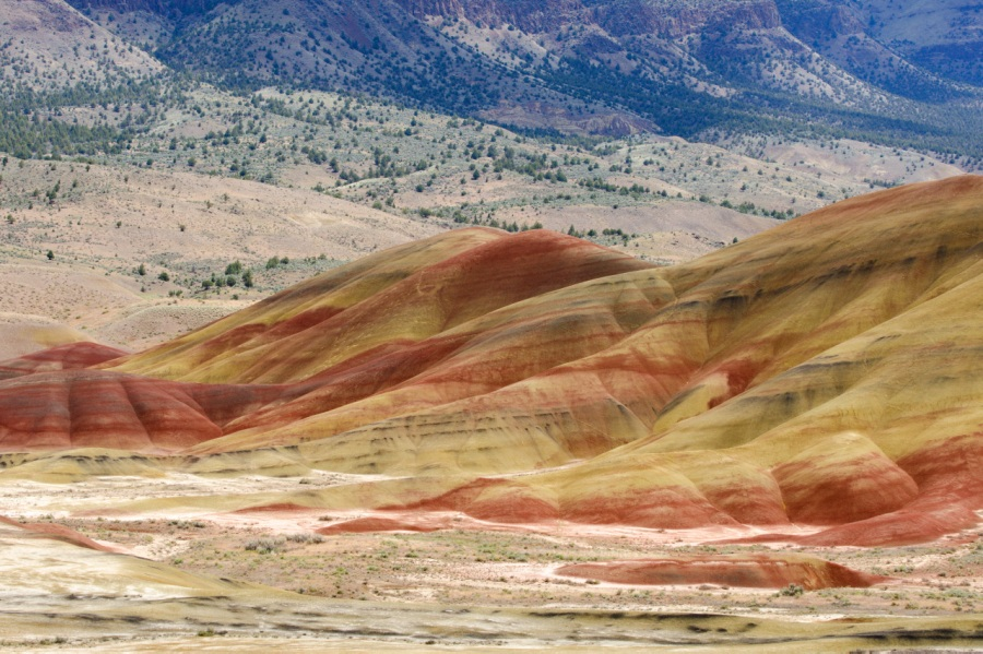 Painted Hills Unit of the John Day Fossil Beds – Painted Hills Overlook Trail