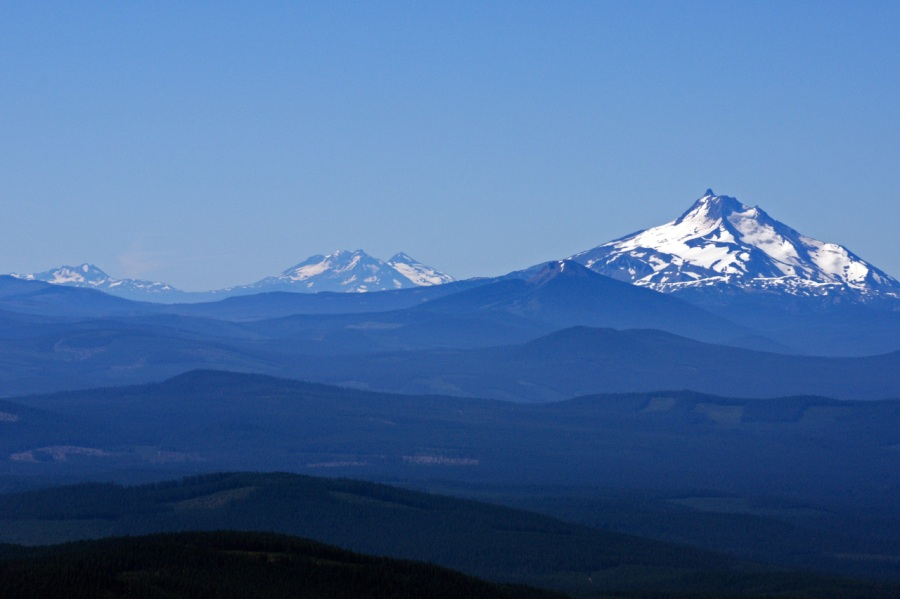 From left to right: Broken Top, Three Sisters, Olallie Butte and Mt. Jefferson