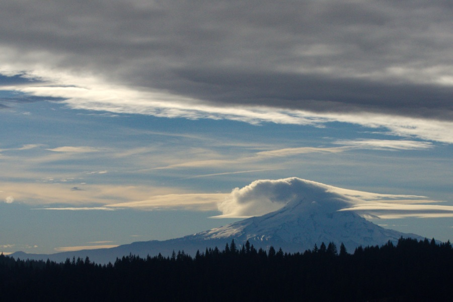 Lenticular cloud on Mt. Hood