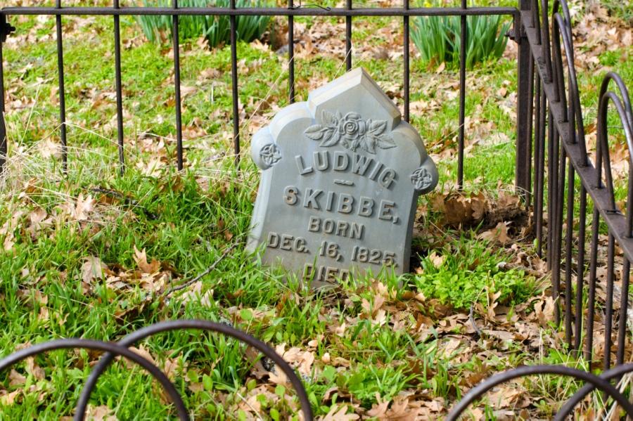 Pioneer grave site