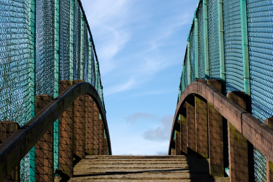Foot bridge over the railroad tracks