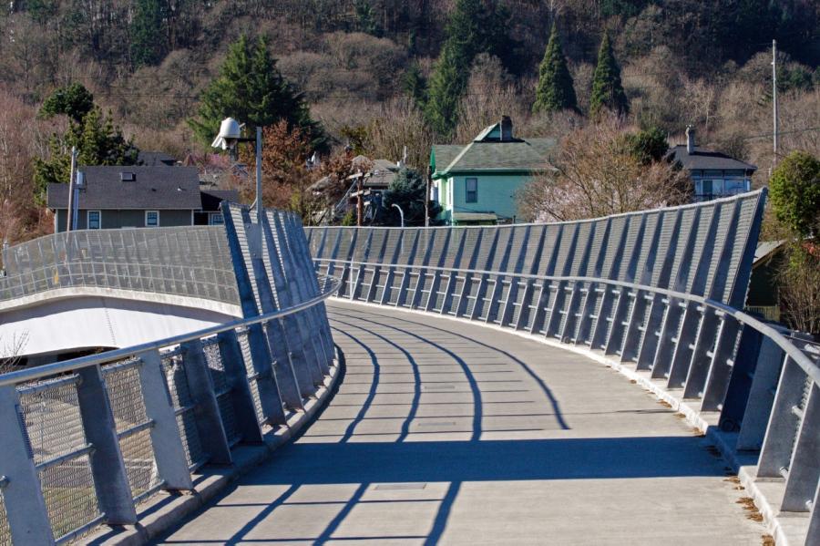 Footbridge over I-5