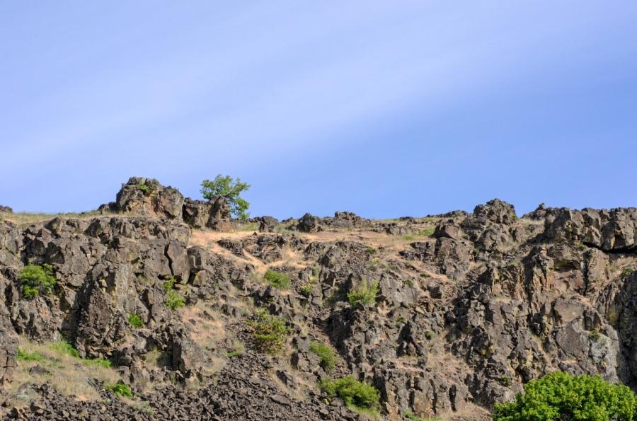 Rimrock cliffs