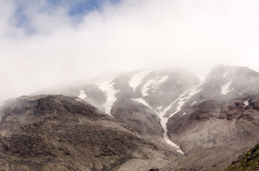 A glimpse of the summit of Mt. St. Helens