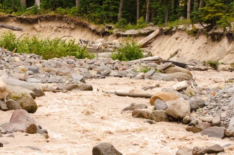 Newton Creek in afternoon, higher and it's washed away most of my crossing (notice the chocolate color caused by the daytime melting of the Newton-Clark Glacier)
