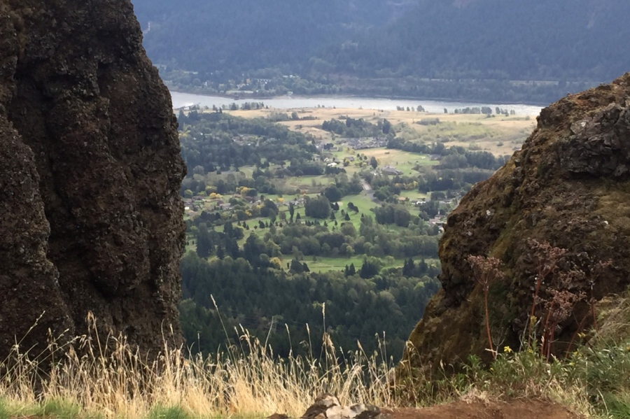 2,000 feet down to the Columbia RIver