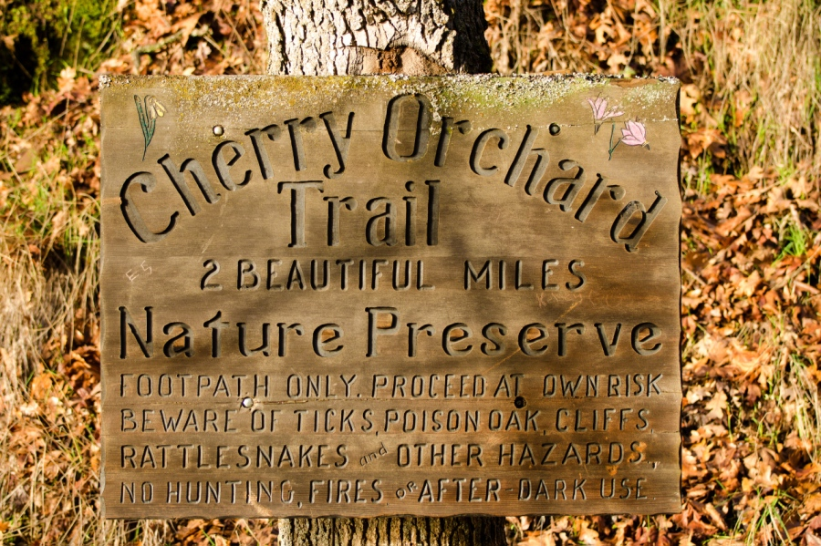 A nice sign for the trail