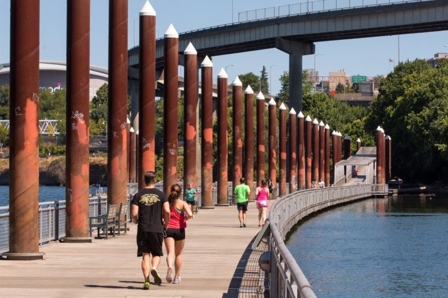 Runners enjoying the Esplanade