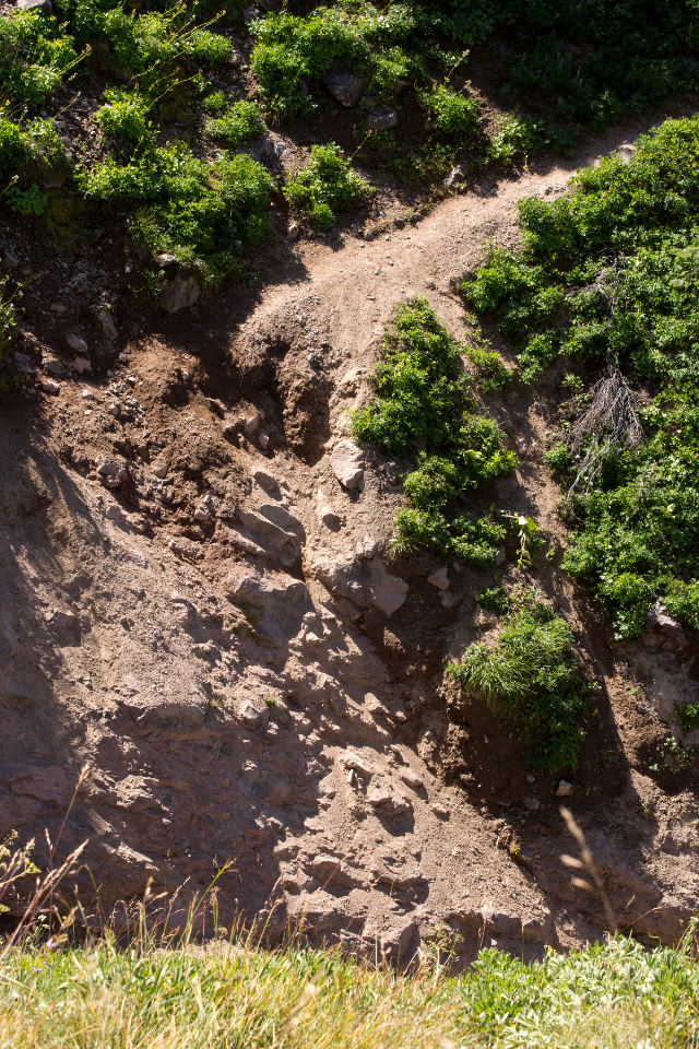 Trail washed out, causing a steep scramble out of the rocky ravine