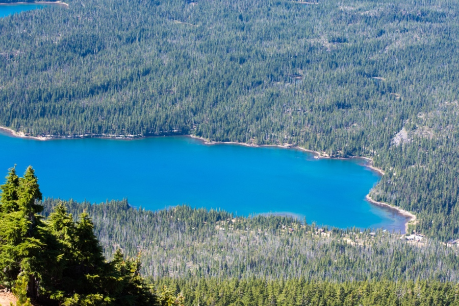 Deep-blue Olallie Lake