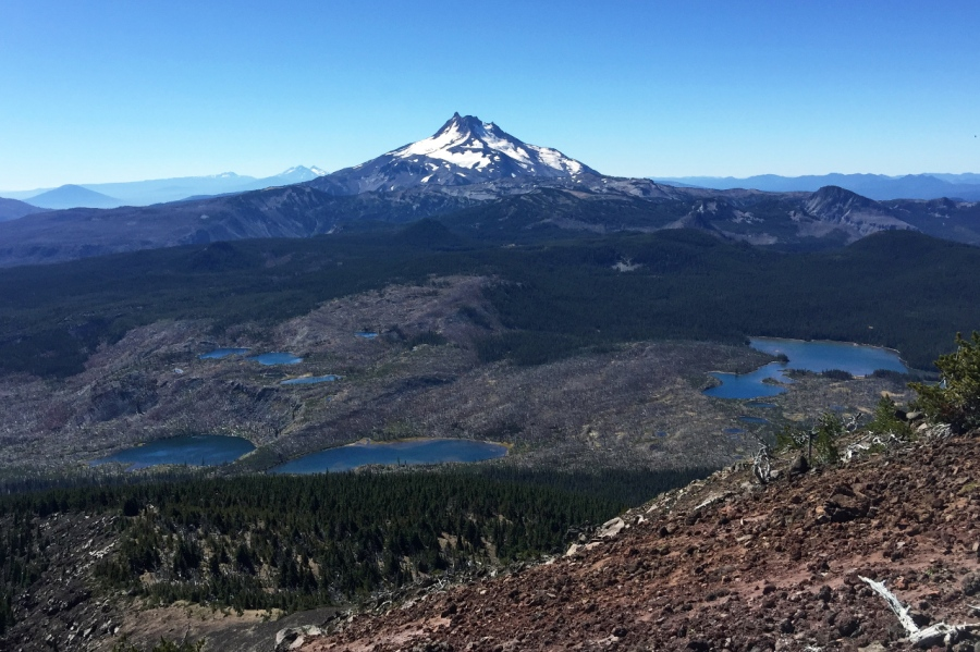 A hike to the summit of Olallie Butte