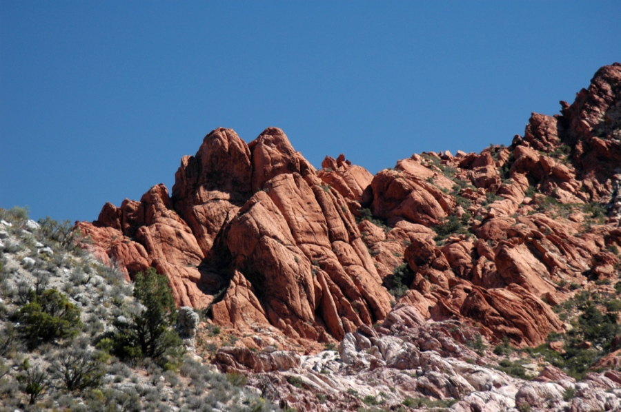 Ubiquitous red rock cliffs