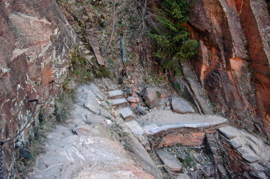 Path down to Hidden Canyon