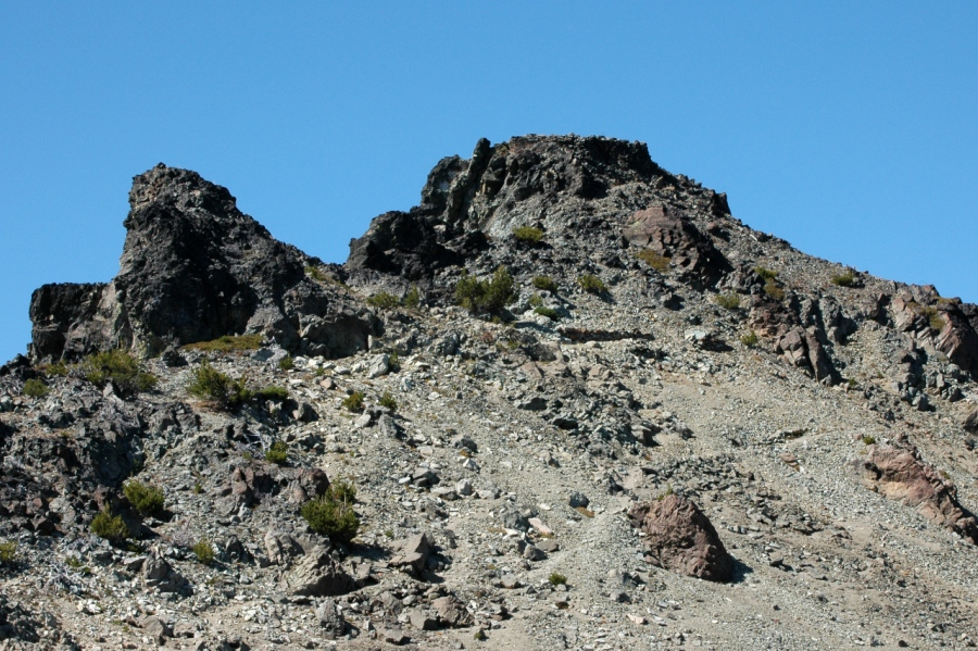 The final stretch of the trail to the summit (the top is flat because it was a former wildfire lookout site
