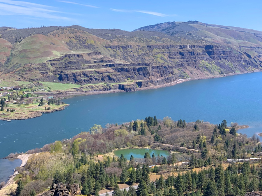 A Wonderful Spring Day in the Columbia RiverGorge