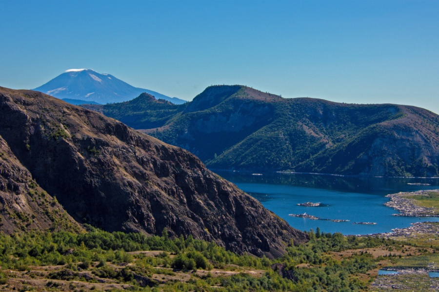 Devil's Elbow: An Upfront View of Mt. St.Helens