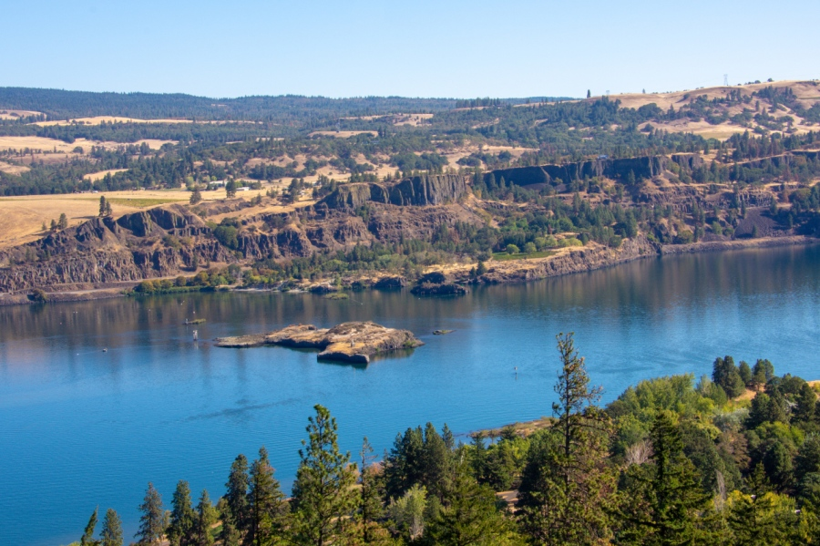 An Ideal Day in the Eastern Columbia RiverGorge